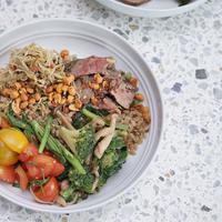 Grain Traders hadir sebagai gerai makanan sehat di sebuah perkantoran (Foto: Grain Traders)