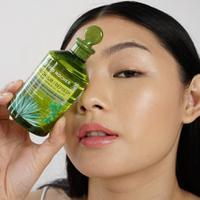 Rinsing Vinegar dari Yves Rocher hadir dengan formula baru yang bisa jadikan rambut lebih sehat dan berkilau secara nyata. (Foto: Yves Rocher)