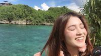 Nabilah JKT48 saat liburan ke Bali Agustus 2018 kemarin. (dok. instagram.com/nblh.ayu/https://www.instagram.com/p/Bl_40brBoED/Esther Novita Inochi)