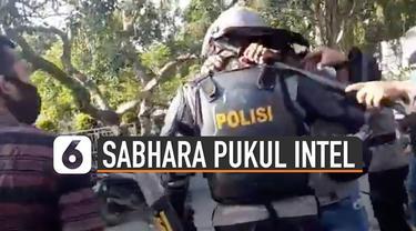 Belakangan viral video sejumlah aparat berpakaian preman dipukul polisi Sabhara yang mengamankan seorang mahasiswa di Jambi.