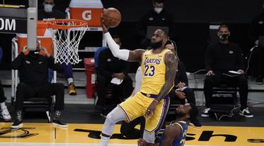 FOTO: Warriors Menang Dramatis atas LA Lakers