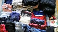 Pakaian yang hendak disumbangkan untuk korban bencana alam hendaknya disusun dulu sesuai jenisnya. (dok. Instagram @mabbasi_of/https://www.instagram.com/p/Bm6Eh26H4fH/Esther Novita Inochi)