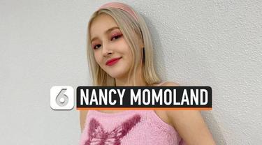 Personil girl grup asal Korea Selatan, Nancy Momoland, menjadi korban kamera tersembunyi. Foto Nancy sedang berganti baju beredar, diduga diambil oleh staf agensinya sendiri.
