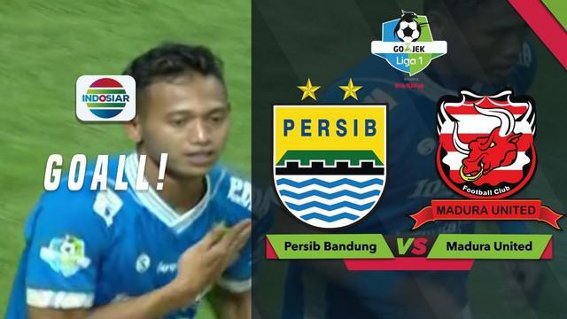 Gol pertama Persib Bandung pada laga Go-Jek Liga 1 bersama Bukalapak, dicipatakan oleh Muchlis Hadi.