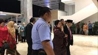 Ketum PDIP Megawati Soekarnoputri menghadiri pelantikan pimpinan DPR periode 2019-2024. (Sania Mashabi/Merdeka.com)
