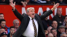 2. Steve Bruce yang menjadi kapten Manchester United setelah Bryan Robson pada 1994-1996.(AFP/Paul Ellis)