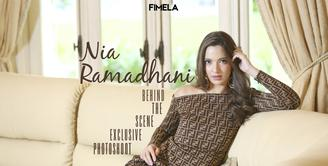 Gaya Hot Mom Nia Ramadhani di Pemotretan Eksklusif Fimela