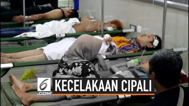 Hingga kini puluhan orang masih terluka akibat kecelakaan beruntun yang terjadi di Tol Cipali. Kebanyakan korban mengalami luka berat dan ringan.