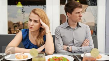Bertengkar Berselisih Paham dengan Pasangan