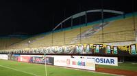 Tribune selatan Stadion Maguwoharjo, Sleman, tampak sepi dalam pertandingan melawan Borneo FC, Rabu (20/11/2019). (Bola.com/Vincentius Atmaja)