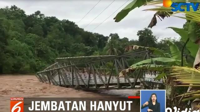 Tak ada pilihan, warga pun membuat rakit dari bambu untuk beraktivitas antara Kecamatan Ulu Muis dan Kecamatan Pasemah Air Keruh.