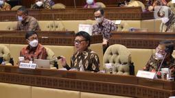 MenPAN-RB Tjahjo Kumolo mengikuti rapat kerja bersama Komisi II DPR di Komplek Parlemen, Jakarta, Kamis (8/4/2021). Dalam rapat tersebut membahas mengenai pandangan pemerintah atas penjelasan DPR terkait RUU tentang ASN serta pembentukan Panja RUU tersebut. (Liputan6.com/Angga Yuniar)