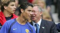 Manajer legendaris Setan Merah, Sir Alex Ferguson disebut-sebut telah menelpon Ronaldo pada Jumat pagi terkait kansnya pulang ke klub lamanya, Manchester United. Ferguson juga memerintahkan manajmen MU untuk mendatangkan sang bintang tersebut. (Foto: AFP/Odd Andersen)