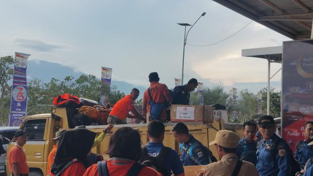 Foto Saat Satgas Bencana DKI Fokus Penanganan Mental Warga Palu dan Donggala