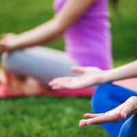 Berencana mengambil kelas yoga? Cek dulu jenis yoga yang sesuai dengan kebutuhan Anda. (i
