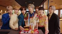 Promosi menu kombo BTS Meal, kolaborasi BTS X McDonald's. (dok, tangkapan layar YouTube McDonald's