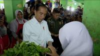 Jokowi di Pasar Pagi Pangkal Pinang. Dok: Setkab