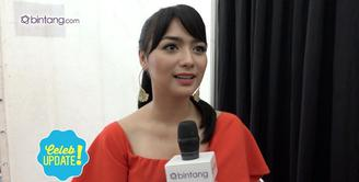 Citra Kirana ditantang untuk menggunakan logat Jawa di sinetron Orang-Orang Kampung Duku. Nampaknya Citra menikmati bahasa Jawa, ia keterusan menggunakan bahasa Jawa usai syuting selesai.