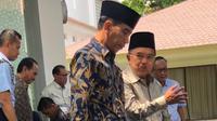 Jokowi dan JK ngobrol santai usai Salat Jumat (Istimewa)