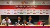 Komdis Federasi Futsal Indonesia menjatuhkan sanksi kepada pelatih dan dua pemain IPC Pelindo terkait kericuhan saat melawan Bintang Timur