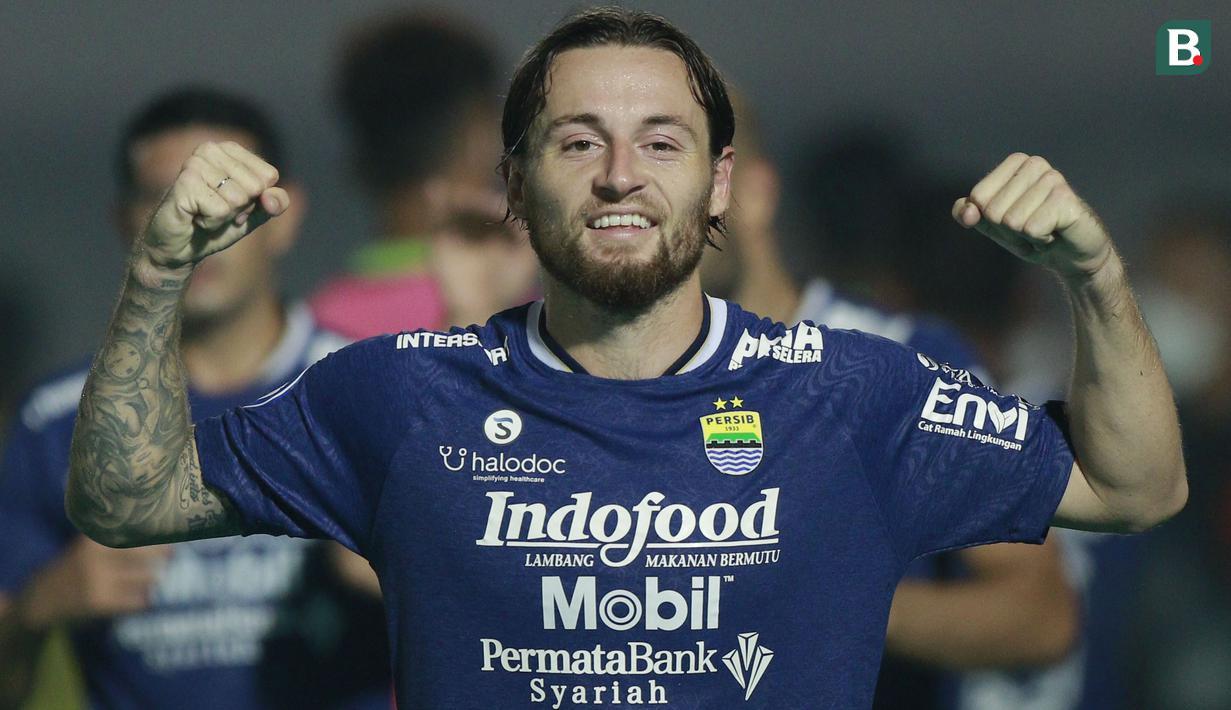 Pemain anyar Persib Bandung, Marc Klok mencetak satu-satunya gol ke gawang Barito Putera pada menit ke-86. (Foto: Bola.com/M Iqbal Ichsan)