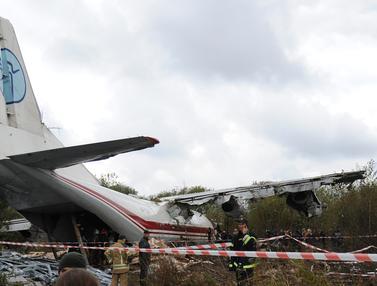 Kecelakaan Pesawat Kargo di Ukraina Tewaskan 5 Orang