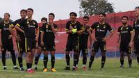 Persik akan menjamu Persipura pada laga ujicoba di Stadion Brawijaya Kota Kediri, Sabtu (5/6/2021). (Bola.com/Gatot Susetyo)