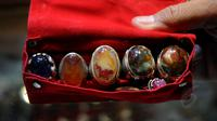 Demam batu akik membuat Pemerintah Kota Gorontalo meminta pedagang urus ijin dagang batu.