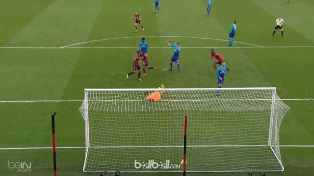 Tuan rumah Bournemouth sukses berbalik unggul atas Arsenal berkat gol penentu kemenangan yang dibuat Jordon Ibe pada laga Minggu (...