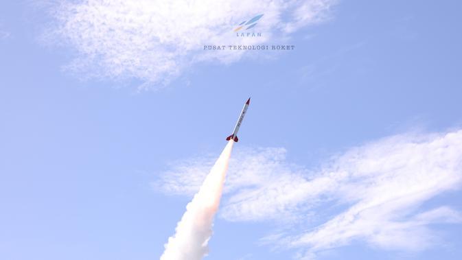 Peluncuran Roket RX450-5 di Pamengpeuk, Garut. (Dokumentasi LAPAN)