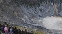 Kawah Tangkuban Parahu (sumber: iStockphoto)