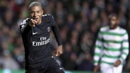 2. Kylian Mbappe (Paris Saint-Germain) - 18 Gol. (AP/Scott Heppell)