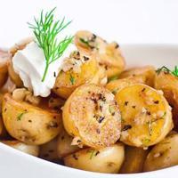 Resep kentang panggang ini bisa dijadikan pengganti nasi sebagai asupan karbohidrat harian.