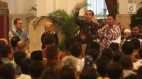 Presiden Joko Widodo memberi sambutan saat menerima perwakilan nelayan seluruh Indonesia di Istana Negara, Jakarta, Selasa (22/1). Jokowi mengingatkan para nelayan serta pengusaha perikanan untuk menggunakan Bank Mikro Nelayan. (Liputan6.com/Angga Yuniar)