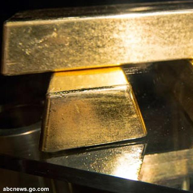 Saat Harga Jatuh Investor Pilih Emas Batangan Bukan Emas Hiasan