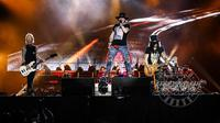 Axl Rose bersama Guns N' Roses (dok. Instagram @gunsnroses/https://www.instagram.com/p/BpyBnQmAkt9/Putu Elmira)