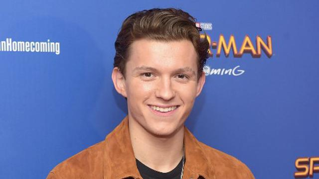[Bintang] Tom Holland dan Zendaya
