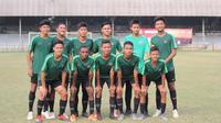 Timnas Indonesia U-15 menelan kekalahan 0-3 dari Tira Persikabo U-16 dalam laga uji coba yang berlangsung di Stadion Padjadjaran, Bogor. (dok. Alvino Hanafi)
