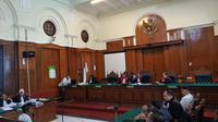 Sidang Ahmad Dhani di Pengadilan Negeri Surabaya. (Liputan6.com/Dian Kurniawan)