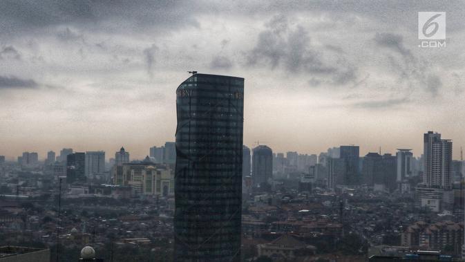 Pemandangan gedung bertingkat di Jakarta, Selasa (30/4/2019). Pemerintah belum memutuskan lokasi ibu kota baru pengganti Jakarta. (Liputan6.com/JohanTallo)