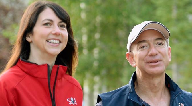 Pendiri Amazon, Jeff Bezos dan istrinya Mackenzie. Dok: Business Insider