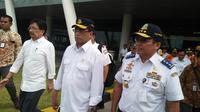 Menteri Perhubungan (Menhub) Budi Karya Sumadi di Dermaga Eksekutif Pelabuhan Merak, Kota Cilegon, Banten, Sabtu (11/5/2019). (Liputan6.com/ Yandhi Deslatama)