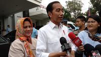Presiden Jokowi dan Ibu Negara Iriana kembali menjenguk Kahiyang Ayu yang melahirkan bayi perempuan di rumah sakit. (Merdeka.com/ Ahda Bayhaqi)