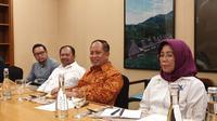 Menristekdikti Mohamad Nasir saat bertemu dengan media di Jakarta, Kamis malam (25/3/2019). Liputan6.com/Jeko I.R.