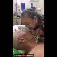 Siapkan tisu sebelum kamu melihat video kesetiaan pasangan hingga kakek-nenek ini. (Foto: Facebook)