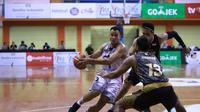 Stapac Jakarta menang 81-62 atas Bank BPD DIY Bima Perkasa Jogja pada seri ketiga IBL 2018-2019 di GOR Merpati Denpasar, Bali, Sabtu (15/12/2018). (Media IBL)