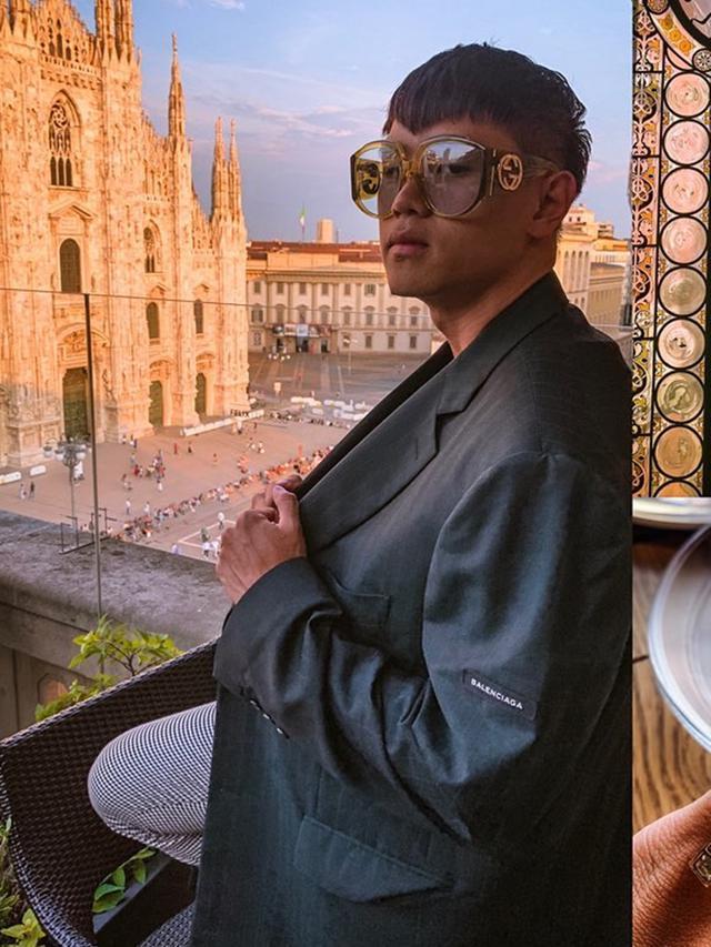 Viral Sosok Arnold Putra, Desainer yang Buat Tas dari Tulang Manusia