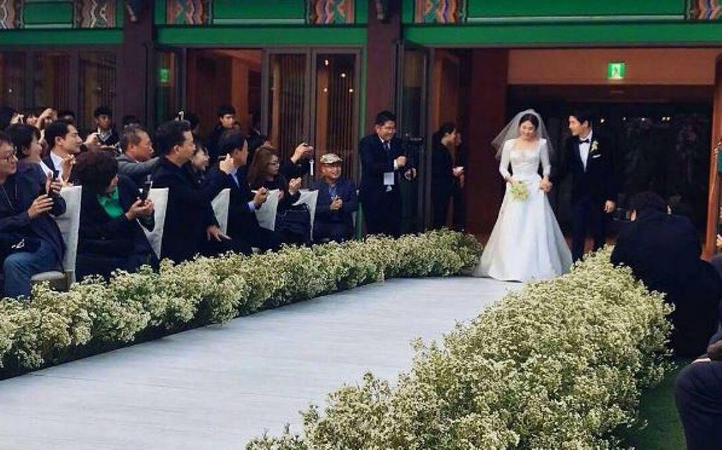Song Joong Ki dan Song Hye Kyo Resmi Menikah [foto: instagram/4ever_kikyo]