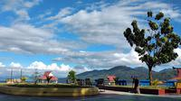 Suasana di Pantai Taman Landmark, Ternate, Jumat sore, 10 April 2020. (Hairil Hiar/Liputan6.com)