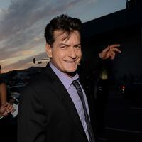 Tak hanya Bree Olson, Charlie Sheen juga pernah dikabarkan kencan dengan bintang porno lainnya Para wanita tersebut kerap kali diajak Charlie Sheen untuk tinggal bersama di rumah mewahnya di Beverly Hills. (AFP/Bintang.com)